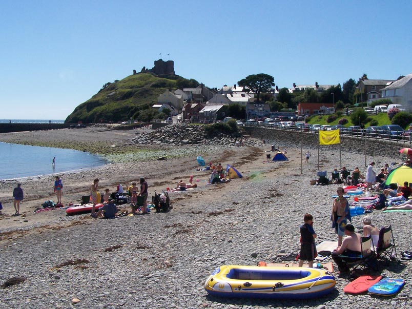 The beach and castle